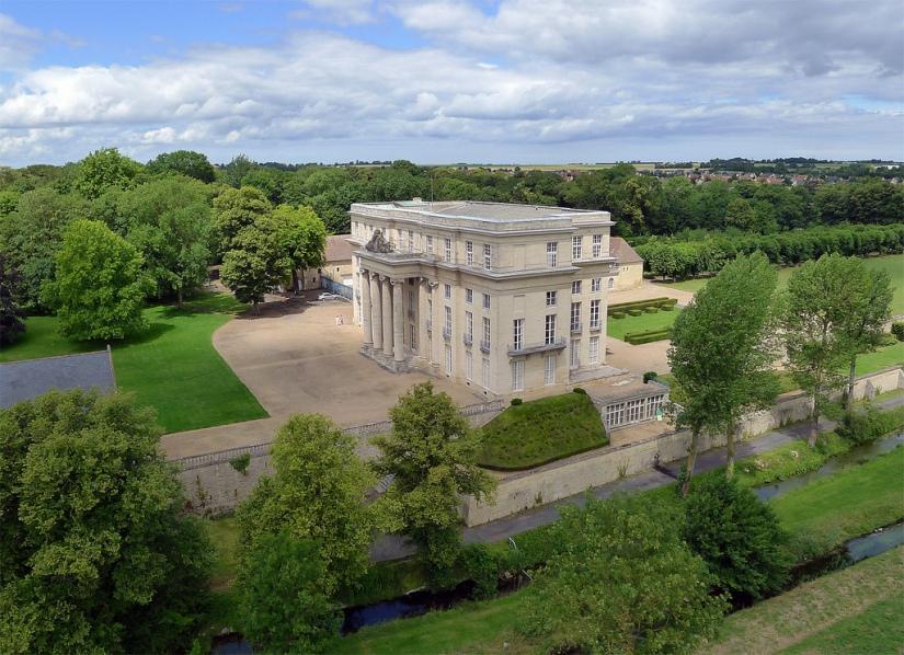Chateau de Benouville et parc